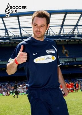 DANNY DYER THUMBS UP