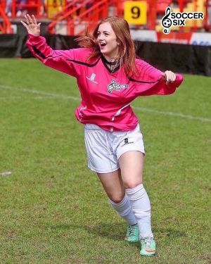MAISIE SMITH - EASTENDERS